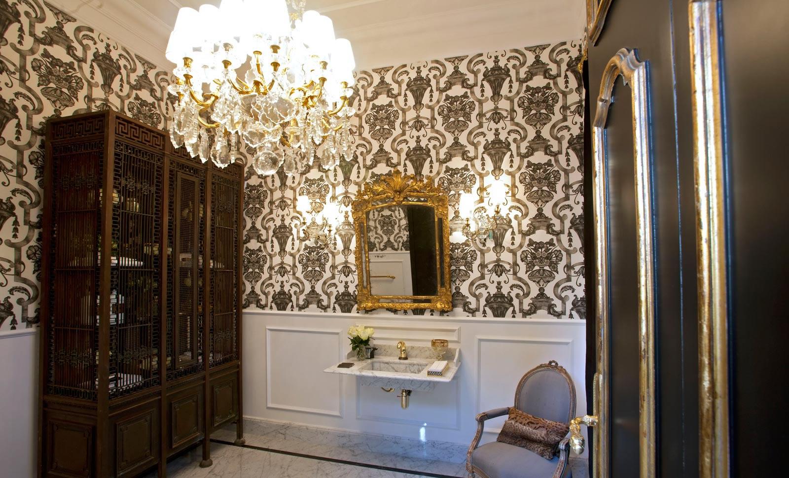 Decoração retrô caracteriza lavabo de Renata Seripieri - Cleon Gostinski