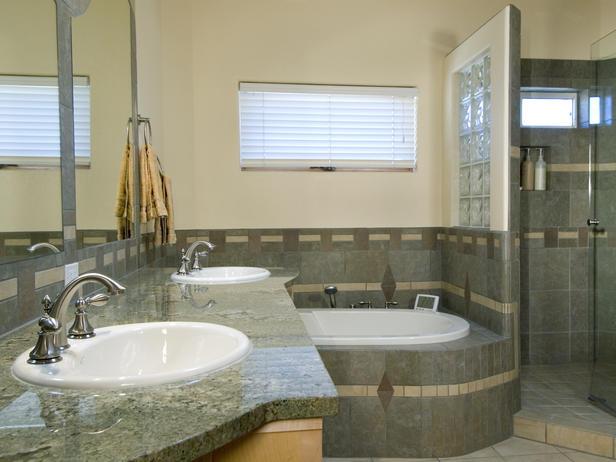 """Lavatórios e banheiros em diferentes estilos para o """"estilo e conforto"""" dos m -> Banheiro Pequeno Com Banheira Redonda"""