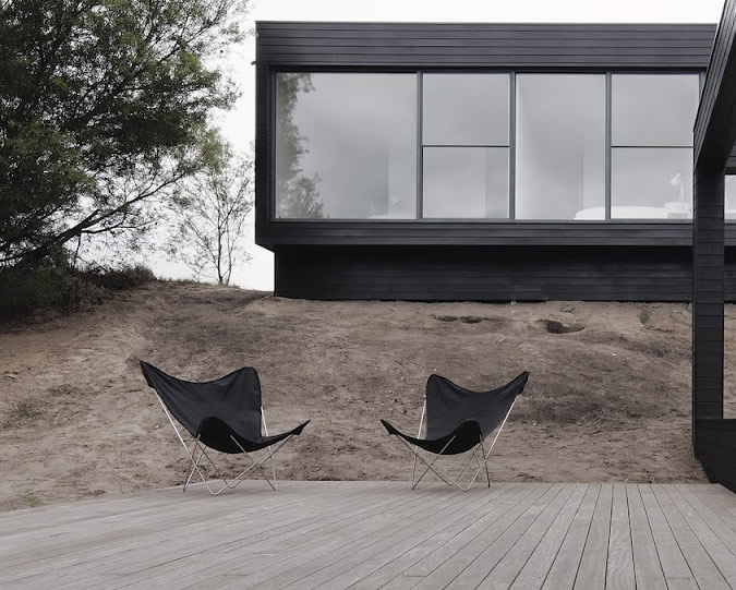 contemporary_modern_architecture_black_house_1