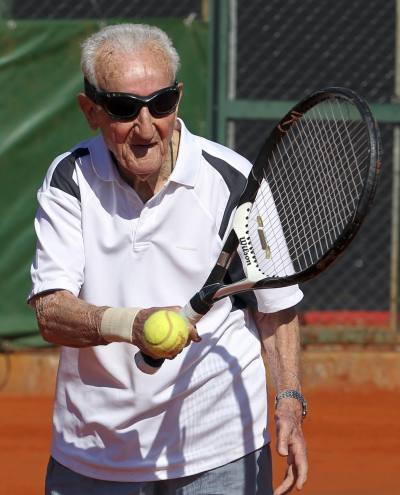 Artin Elmayan practises with a tennis ball in Buenos Aires