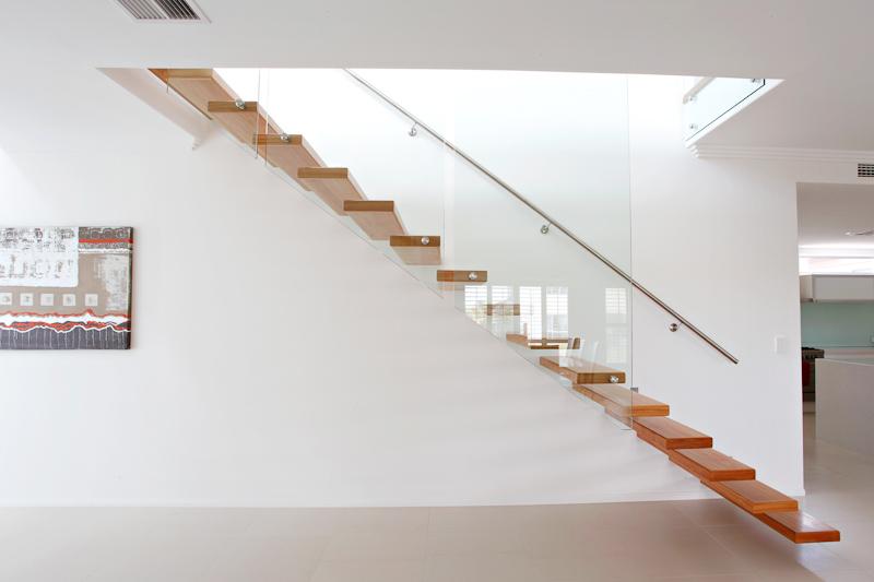 Escadas Suspensas Viver Bem Agora Empreendimentos