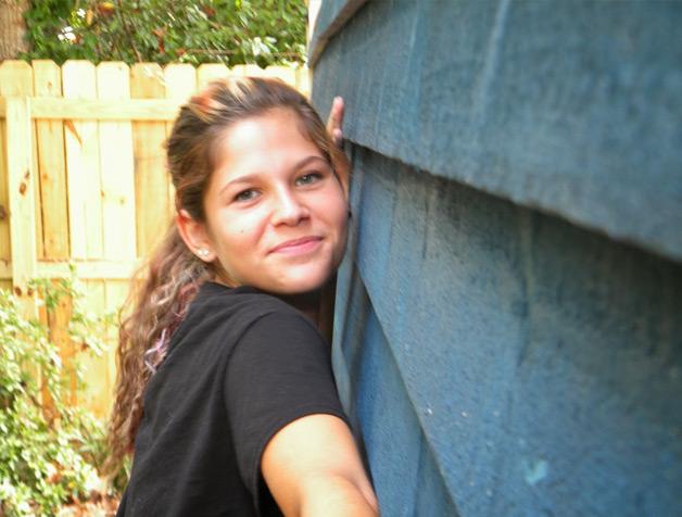 Garota de 14 anos constrói sua própria casa com ajuda de financiamento coletivo (7)