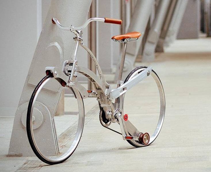 Bicicleta dobrável que fica do tamanho de um guarda-chuva