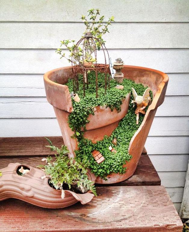 Conheça a nova moda de aproveitar vasos quebrados pra criar pequenos  jardins