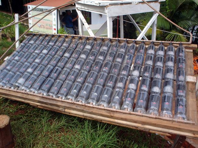 Aquecedor Solar Com Garrafas Pet E Caixas De Leite Reaproveitadas