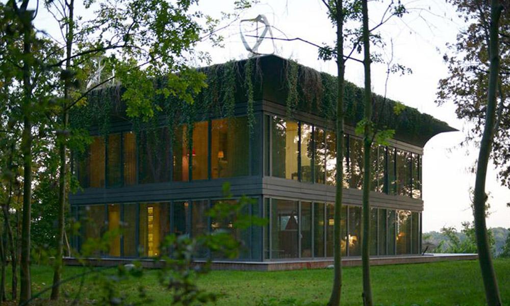 Casa pré-fabricada produz 50% mais energia do que consome