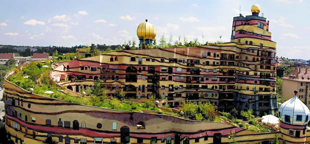Casas feitas de terra - conheça a bioconstrução